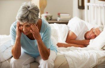 Почему происходит нарушение сна у пожилых людей, и какое нужно лечение 2019
